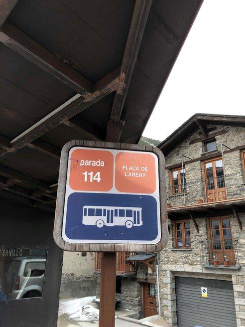 Plaça De L'Areny station